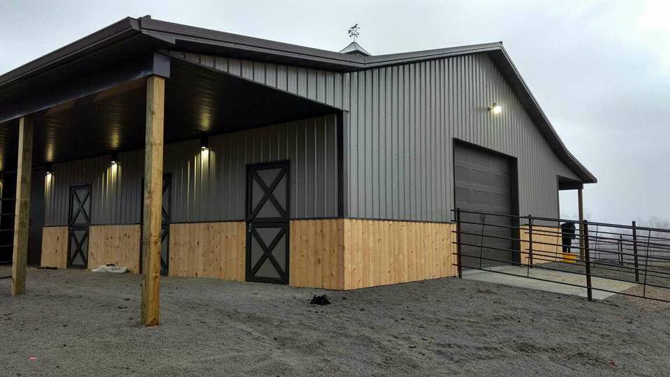 5 Benefits to Installing a Metal Roof on Your Barns and Agricultural Buildings